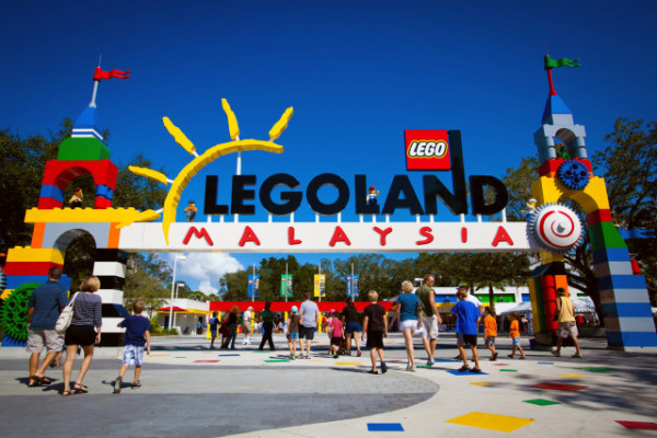POLK COUNTY, FL Ð October 7, 2011 -- The public gets the first glimpse during AAA preview days at LEGOLAND¨ Florida, Central Florida's newest theme park.  Opening October 15, 2011 just outside Orlando, LEGOLAND Florida will provide interactive entertainment for families with children ages 2-12 . (PHOTO/LEGOLAND Florida, Merlin Entertainments Group, Chip Litherland)
